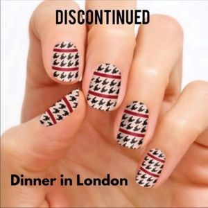 Color Street Nail Strips - Dinner in London